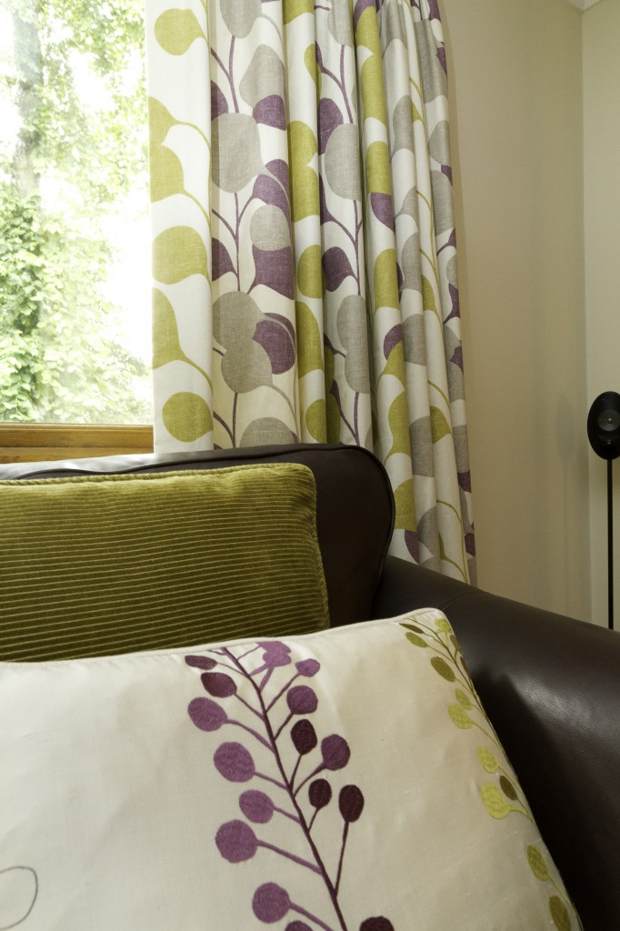 Lounge Interior Designers in Croydon